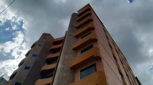 Apartamento En Ventaen Valencia, Agua Blanca, Venezuela, VE RAH: 20-7818