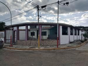 Casa En Ventaen Valencia, Flor Amarillo, Venezuela, VE RAH: 20-7841