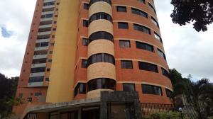 Apartamento En Ventaen Valencia, El Bosque, Venezuela, VE RAH: 20-8371