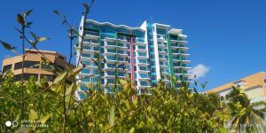 Apartamento En Ventaen Tucacas, Tucacas, Venezuela, VE RAH: 20-8022