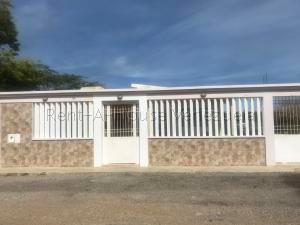 Casa En Ventaen Punto Fijo, Puerta Maraven, Venezuela, VE RAH: 20-8028