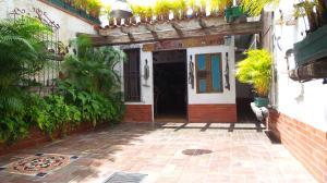 Casa En Ventaen Valencia, Trigal Norte, Venezuela, VE RAH: 20-8041