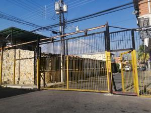 Casa En Ventaen Turmero, Zona Industrial Saman De Guere, Venezuela, VE RAH: 20-8061