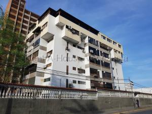 Apartamento En Ventaen Parroquia Caraballeda, Palmar Este, Venezuela, VE RAH: 20-8073