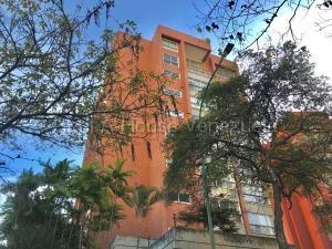 Apartamento En Alquileren Caracas, El Rosal, Venezuela, VE RAH: 20-8329