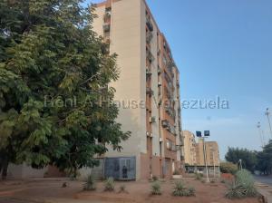 Apartamento En Alquileren Maracaibo, Avenida Goajira, Venezuela, VE RAH: 20-8130
