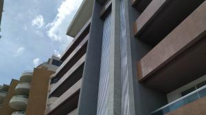 Apartamento En Alquileren Valencia, Terrazas Del Country, Venezuela, VE RAH: 20-8168