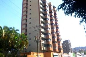 Local Comercial En Alquileren Valencia, Santa Cecilia, Venezuela, VE RAH: 20-8172