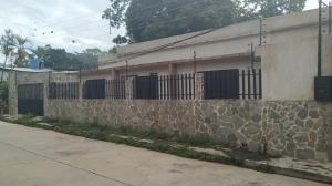 Local Comercial En Ventaen Valencia, La Alegria, Venezuela, VE RAH: 20-8173