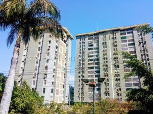 Apartamento En Ventaen Maracay, Urbanizacion El Centro, Venezuela, VE RAH: 20-8255