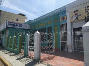 Local Comercial En Alquileren Maracay, El Centro, Venezuela, VE RAH: 20-8214