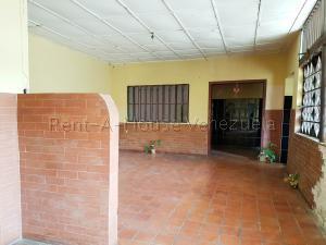 Casa En Ventaen Coro, Ampies, Venezuela, VE RAH: 20-8256