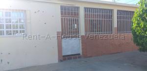 Casa En Ventaen Punto Fijo, Antiguo Aeropuerto, Venezuela, VE RAH: 20-8282