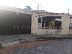 Casa En Ventaen Municipio Naguanagua, La Campina I, Venezuela, VE RAH: 20-8337