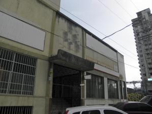 Local Comercial En Ventaen Valencia, Avenida Bolivar Norte, Venezuela, VE RAH: 20-8341