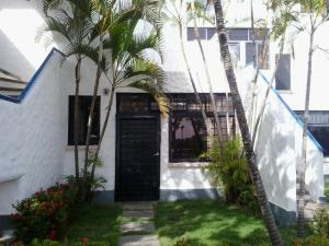 Apartamento En Ventaen Rio Chico, Tacarigua La Laguna, Venezuela, VE RAH: 20-8344