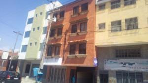 Oficina En Alquileren Puerto Cabello, Zona Colonial, Venezuela, VE RAH: 20-8365