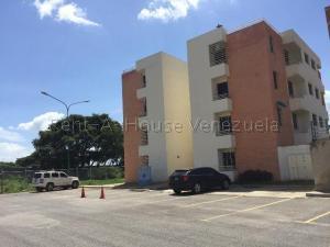 Apartamento En Ventaen Cabudare, Centro, Venezuela, VE RAH: 20-8410