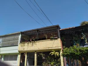 Casa En Ventaen Valencia, San Blas, Venezuela, VE RAH: 20-8454