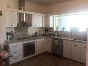 Apartamento En Ventaen Maracaibo, La Lago, Venezuela, VE RAH: 20-8443