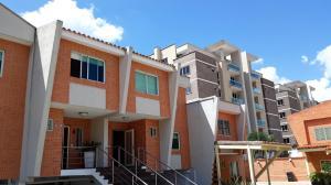 Townhouse En Ventaen Municipio Naguanagua, Manongo, Venezuela, VE RAH: 20-8455