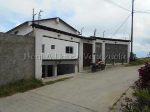 Casa En Ventaen El Junquito-Vargas, El Junko Country Club, Venezuela, VE RAH: 20-8270