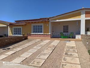 Casa En Ventaen Margarita, Maneiro, Venezuela, VE RAH: 20-8493