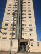 Apartamento En Ventaen Cabimas, Las 40, Venezuela, VE RAH: 20-8532