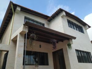 Casa En Ventaen Valencia, Trigal Norte, Venezuela, VE RAH: 20-8623