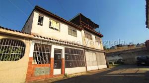 Casa En Ventaen Municipio San Diego, La Esmeralda, Venezuela, VE RAH: 20-8541