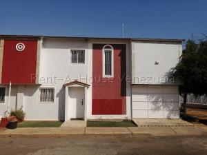 Townhouse En Ventaen Municipio San Francisco, San Francisco, Venezuela, VE RAH: 20-8578