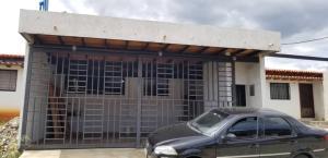 Casa En Ventaen San Juan De Lagunillas, Parroquia San Juan, Venezuela, VE RAH: 20-8636