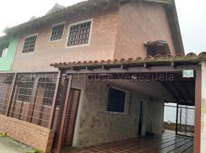 Casa En Ventaen Caracas, Hoyo De La Puerta, Venezuela, VE RAH: 20-8669