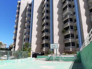 Apartamento En Ventaen Catia La Mar, Playa Grande, Venezuela, VE RAH: 20-8699