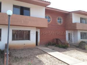 Townhouse En Ventaen Municipio Libertador, Rafael Pocaterra, Venezuela, VE RAH: 20-9045