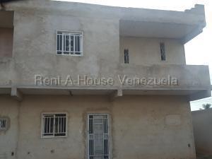 Townhouse En Ventaen Ciudad Ojeda, La N, Venezuela, VE RAH: 20-8698