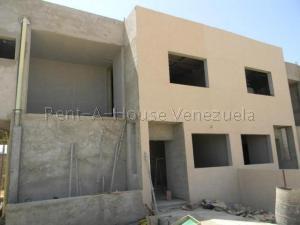 Townhouse En Ventaen Punto Fijo, Puerta Maraven, Venezuela, VE RAH: 20-8716