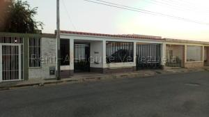 Casa En Ventaen Guacara, Ciudad Alianza, Venezuela, VE RAH: 20-9190