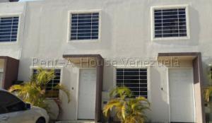 Casa En Ventaen Yaritagua, Municipio Peña, Venezuela, VE RAH: 20-8838