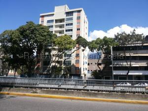 Apartamento En Ventaen Caracas, El Bosque, Venezuela, VE RAH: 20-8857