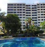 Apartamento En Ventaen Parroquia Caraballeda, Los Corales, Venezuela, VE RAH: 20-10038