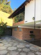 Casa En Ventaen Caracas, Los Naranjos Del Cafetal, Venezuela, VE RAH: 20-8904