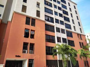 Apartamento En Ventaen Maracay, Bosque Alto, Venezuela, VE RAH: 20-8924