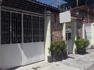 Casa En Ventaen Maracay, Las Acacias, Venezuela, VE RAH: 20-8981