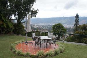 Casa En Ventaen Caracas, Alto Hatillo, Venezuela, VE RAH: 20-8948
