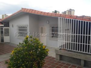 Casa En Ventaen Maracay, Urbanizacion El Centro, Venezuela, VE RAH: 20-9091