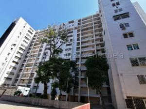 Apartamento En Ventaen Caracas, El Valle, Venezuela, VE RAH: 20-9127