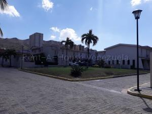 Townhouse En Ventaen Municipio Naguanagua, El Rincon, Venezuela, VE RAH: 20-10385