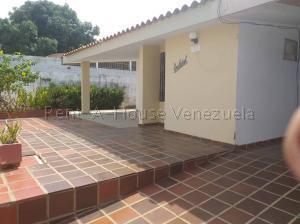 Casa En Alquileren Maracaibo, Altos De La Vanega, Venezuela, VE RAH: 20-9150