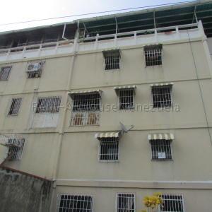 Apartamento En Ventaen Guarenas, Sector Industrial Cloris, Venezuela, VE RAH: 20-9166